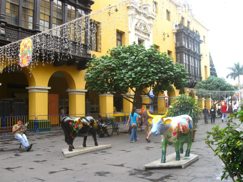 Lima, ciudad de arte e historia. Lima, a city of art and history. Photo credit, placeOK